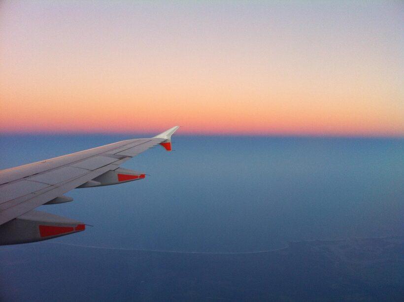 Zo slaap je wel in een vliegtuig!
