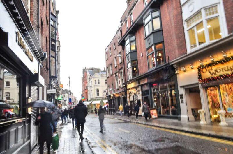 Dublin als het regent: Regen in de straten van Dublin