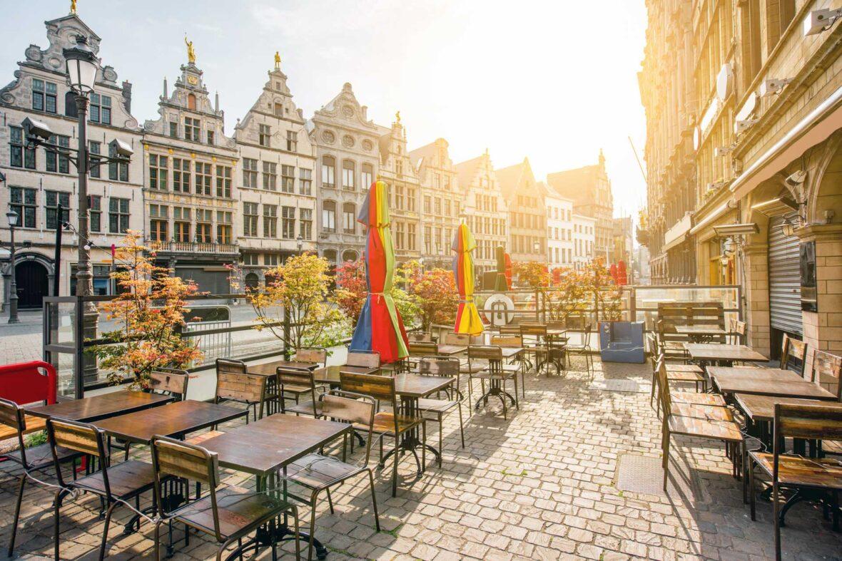 Uit eten in Antwerpen: Grote Markt in Antwerpen (foto via Shutterstock)
