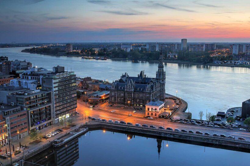 Vanaf het panoramadak van het MAS heb je een prachtig uitzicht over Antwerpen, gratis en voor niets