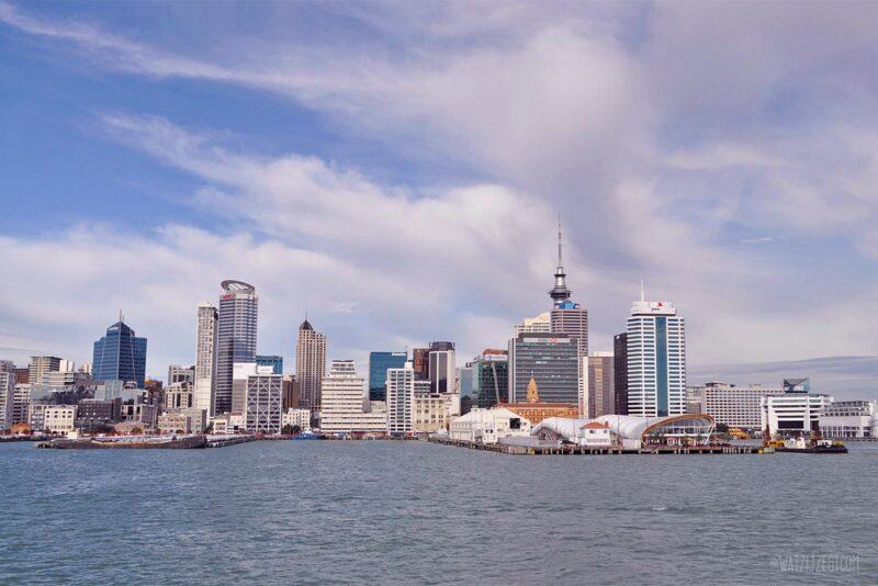 Auckland vanaf het water // Nieuw-Zeeland