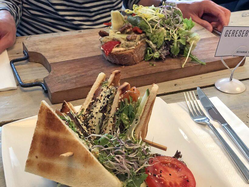 24 april: lunchen in Assen bij Touché