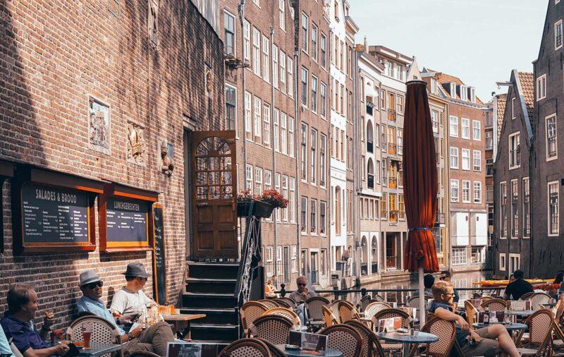 TERRASSPECIAL: Dit zijn de leukste terrasjes voor die heerlijke zomerdagen