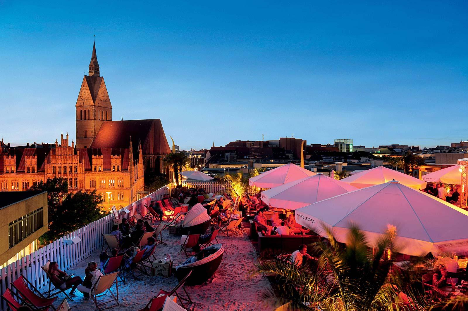 Hotspots in Hannover: Beach Club Schöne Aussichten 360° (foto door Martin Kirchner / HMTG)