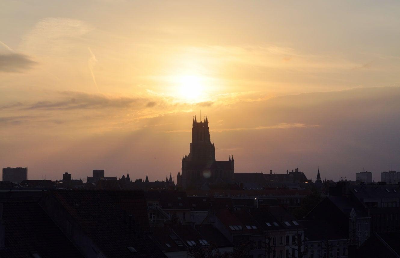 Zonsondergang in Gent, Aparthotel Castelnou