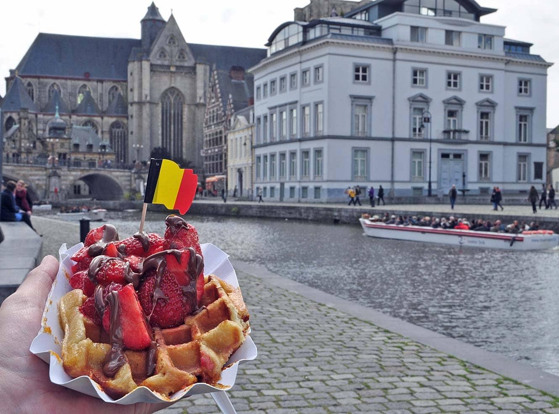 Een Belgische wafel mag niet ontbreken tijdens je bezoek aan Gent