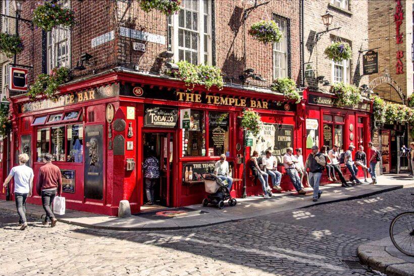 Temple Bar in Dublin in het zonnetje