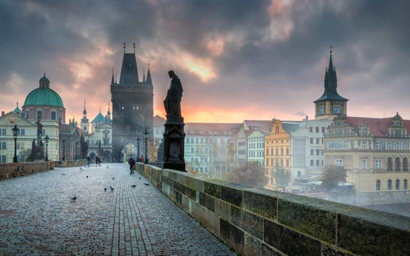 Steden in de hoofdrol: Charles Bridge in Praag